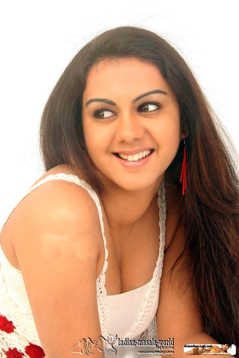 Celebrity Photos Kamna Jethmalani Hot Spicy Thighs And
