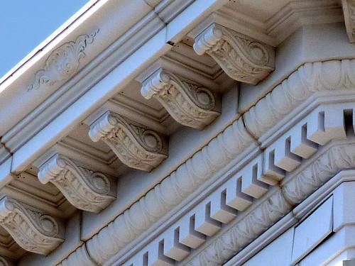 P1000795-2012-02-07-Richs-Broad-Alabama-Cornice-Detail
