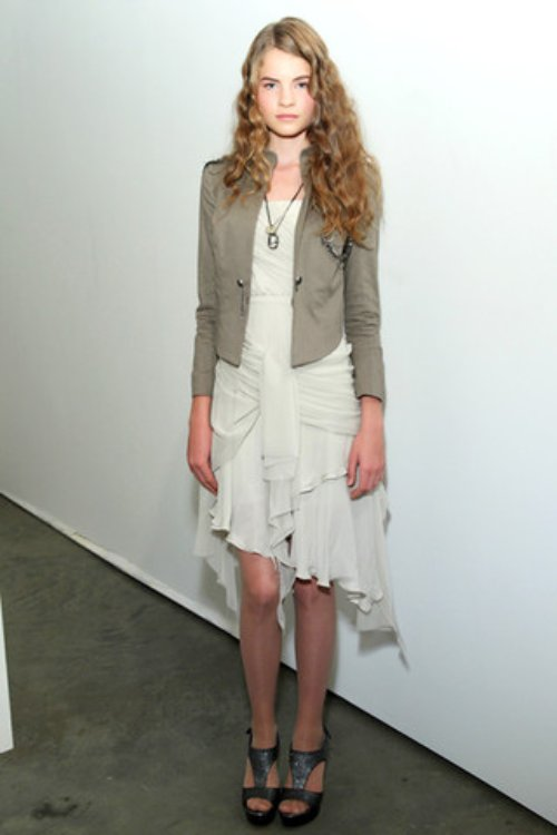 Alice-and-Olivia-Podium-spring-fashion-2010-002_runway,elle.com,nytt