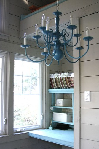 Built in desk w/ chandelier