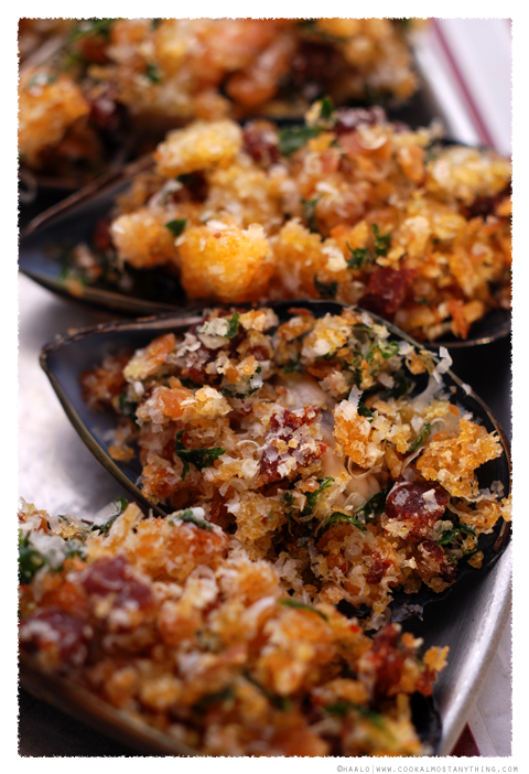 baked stuffed mussels© by Haalo