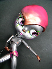 Graceful little bot (AddictedToPlastic) Tags: robot doll experiment resin casting aluminium addictedtoplastic