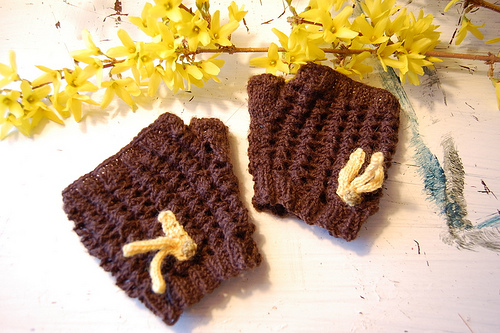 Forsythia mitts