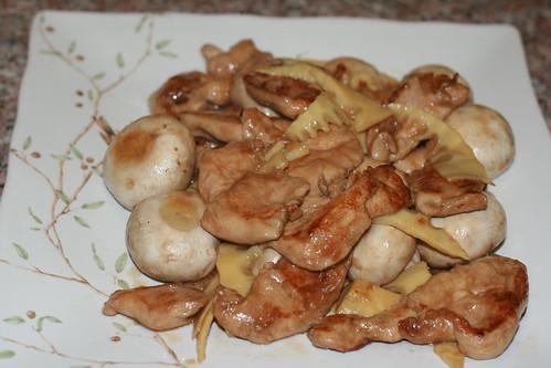 冬筍磨菇炒雞片