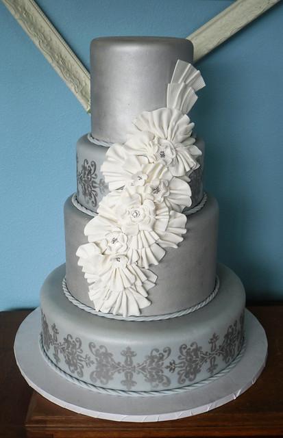 silver_wedding_cake-1