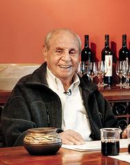 Subasta en Internet de los vinos que atesoraba don Raúl de la Mota