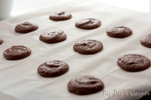 chocolate macaron 1