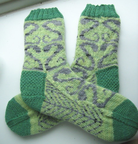 Serpentine Valentine socks