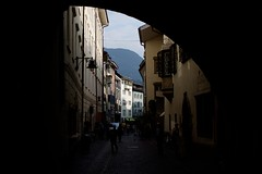 Bolzano (Gwenal Piaser) Tags: 35mm canon eos october canoneos 2009 bolzano bozen 35mmf14 50d 35l canonef35mmf14lusm eos50d canoneos50d ef35mmf14lusm rawtherapee unlimitedphotos gwenflickr