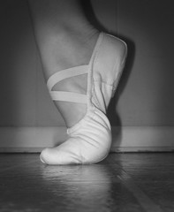 En Releve (~Virginia Vast~) Tags: blackandwhite ballet shoe dance ballerina shoes dancer vignette slippers balletslippers balet ballerinas balett balletflats balerina cvicky baletka baletky techniqueshoes
