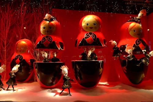 Vitrines de Noël- Printemps- Poupées Chanel