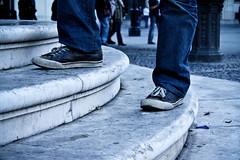 Subiendo, siempre subiendo... (InVa10) Tags: feet up canon eos sevilla spain shoes steps andalucia badajoz pies subir escalones arriba zapatillas extremadura inva 450d