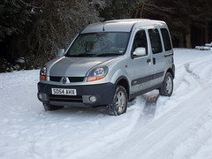 Trusty Transport (cessna152towser) Tags: winter snow scotland 4x4 4wd renault kangoo scottishborders trekka craikforest
