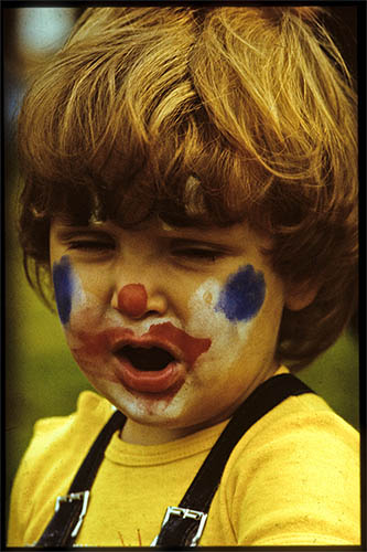 Maxi as clown.