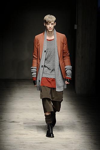 Benoni Loos3040_FW10_Milan_Giuliano Fujiwara(uberhaupt@mh)