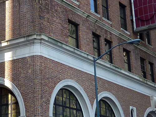P1000798-2012-02-07-Davison-Peachtree-Ellis-Corner-Brick-Detail