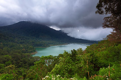 Hidden Lake Tamblingan (tropicaLiving - Jessy Eykendorp) Tags: bali lake canon indonesia landscape bedugul tamblingan jessyce