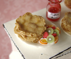 Miniature Food - Crepes Spread #1 (PetitPlat - Stephanie Kilgast) Tags: carnival fruit miniatures dough fake polymerclay crepe faux carnaval pan pancake minifood jam 112 false crpes dollhouse frying confiture karnaval dollshouse marmelade pfannkuchen miniaturefood miniaturen oneinchscale petitplat