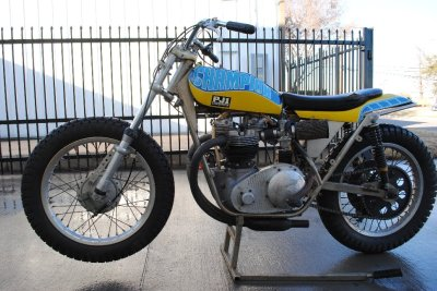 Fritz Schenck Paints My Champion Triumph 500 Flat Tracker