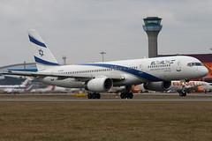 4X-EBU - 26053 - El Al Israel Airline - Boeing 757-258 - Luton - 100309 - Steven Gray - IMG_8060