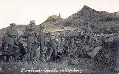 """Sturmabwehr Geschütz am Winterberg"" (✠ drakegoodman ✠) Tags: postcard rifle helmet worldwarone soldiers ww1 battlefield nco greatwar firstworldwar corporal worldwar1 germanarmy mauser germansoldier rppc infantrymen schirmmütze jackboots feldpost trenchwarfare feldmutze krätzchen"