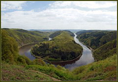 A River Runs Through It (EXPLORE) (Bert Kaufmann) Tags: panorama river germany deutschland rivire fluss allemagne duitsland saar saarland aussichtspunkt saarschleife rivier panoramicview mettlach orscholz cloef uitkijkpunt friendoffriends