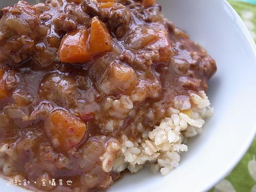 味王紅麴肉醬仔細看