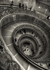 caracol em vertigem (Antnio Alfarroba) Tags: vatican museum stairs museu vertigo vaticano caracol escadas vertigem 5photosaday topseven abigfave specialpicture goldcollection theunforgettablepictures spiritofphotography windmillsspirals unusualviewsperspectives thebestofcengizsqueezeme2groups flickrawards5