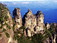 The Three Sisters - Blue Mountains NSW Australia (smortaus) Tags: world park blue wild mountains color colour art nature colors digital rural forest wonderful gum landscape photo bush day colours mt view state image screensaver native oz getaway background country creative scenic australia olympus icon ranges nsw np slideshow hayes dslr australianlandscape greeen lanscape outing 2007 nswaustralia e20p ruralaustralia landofoz olympusesystem australianphotography australianrural australianimage australiansw bestofaustralia bluemountainsnswaustralia thisisaustralia australianforest photosofaustralia smortaus dannyhayes landscapesofaustralia photobydannyhayes photosfomaustralia landscapeofaustralia mountiansaustralia australianmountians mountiancountry