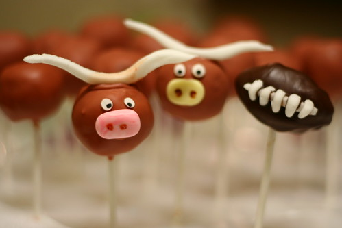 Longhorns and Football Cake Pops