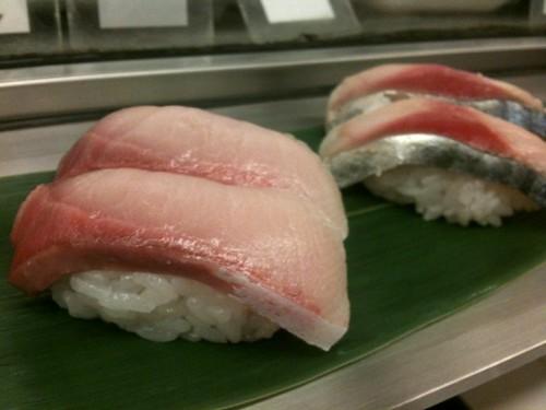 新橋の立ち食い寿司みやこ、すごいいいよ!一貫75円か らだよ!