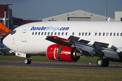 OK-WGY - 25839 - Danube Wings - Boeing 737-436 - Luton - 091210 - Steven Gray - IMG_5056