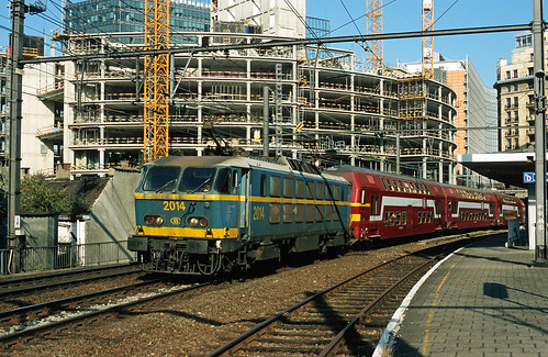 HLE 2014 + P 8602 (Bruxelles-Midi - Jemelle), Bruxelles-Schuman, 23rd September 2005