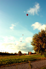 Hot Air Balloons (Itsaurorayall) Tags: blue autumn fall tag3 taggedout tag2 tag1 aurora hotairballoon canoneos450d