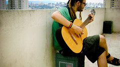 Sing for change... (rɑstɑ ✖) Tags: guitar dread paulo sao rasta dreadlock rastafari violão malk