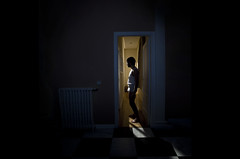 .. (eDsanca) Tags: light window sex ventana loneliness awesome cine ambient soledad gregory shame tension iluminacion crewdson incomunication incomunicacion efti edsanca nicoloso