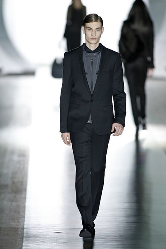 Johannes Linder315_FW09_Berlin_JOOP(first VIEW)