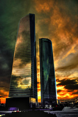 as das torres (segundo libro) (roi alonso) Tags: madrid sunset sky espaa color architecture clouds cuatro spain arquitectura torre towers colores dos cielo nubes build cristal anochecer torres espacio