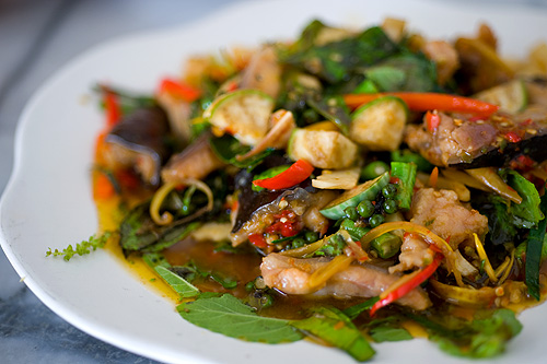 Phat chaa plaa khang, spicy freshwater fish stir-fry, Mae Buay, Suphanburi