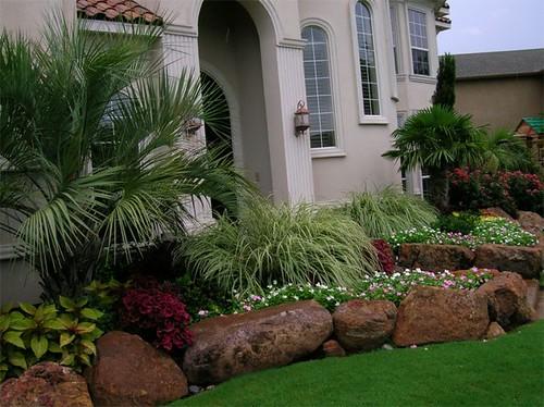 frontyard residential landscaping