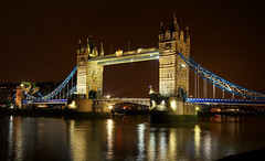 London (Wolfgang Staudt) Tags: uk travel bridge england london thames towerbridge nikon europe photographie britain capital great sigma february reflexions riverthames wolfgang 2010 themse klappbrcke d300    reisefotografie   thegalaxy  staudt   baskle    luonduons