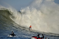 Heavy Cloud (Lyrinda) Tags: ocean sea seascape photo surf waves surfer contest wave surfers halfmoonbay mavericks pillarpoint princetonbythesea mavericks10