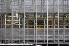 Facade (Pieter Musterd) Tags: lines architecture canon eos office raw bureau nederland thenetherlands denbosch modernarchitecture brabant architectuur kantoor shertogenbosch noordbrabant lijnen paleisvanjustitie modernearchitectuur 40d canoneos40d pietermusterd