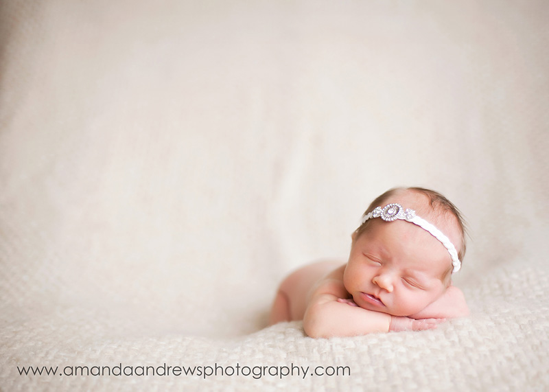 Braided Ribbon Headbands Free Instructions http://hipgirlclips.com/forums/how-make/43672-newborn-braided-headband-jewel-broach.html