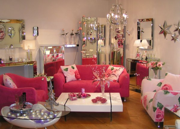 retro-pink-sofas-chairs
