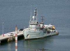 Disfrutando del buen tiempo (Nexiosferrol) Tags: naval tugs base mahón ferrol armadaespañola remolcador a51 lagraña