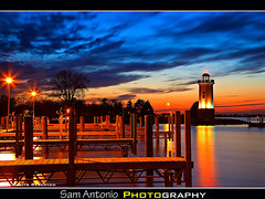 Fond du Lac Lighthouse, Wisconsin (Sam Antonio Photography) Tags: winter sunset vacation lighthouse cold color water weather wisconsin america canon french landscape boat midwest flickr unitedstates dusk badger creativecommons boating fullframe navigation gettyimages appleton facebook yachtclub stockphotography fonddulac lakesidepark lakewinnebago travelphotography badgerstate wisconsinvacation colorfulsky wisconsinwinter canonphotography twitter americasdairyland wisconsinite wisconsinphotography canoneos5dmkii canon24105lens samantonio samantoniophotography canon5dmkiireview