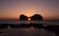 Sunset of Engetsuto (* Yumi *) Tags: ocean sunset landscape explore popular 夕日 白浜 yourfavorite 円月島 100faves 25faves 南紀白浜 75faves mygearandme mygearandmepremium mygearandmebronze