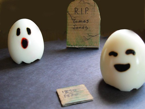 Ghostly Eggs