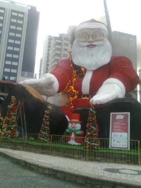 Calendar of Disturbing Santas 2009 - Day 2